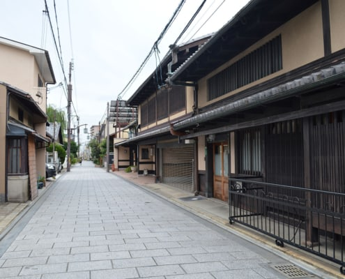 Nishijin district, famous for textile and machiya